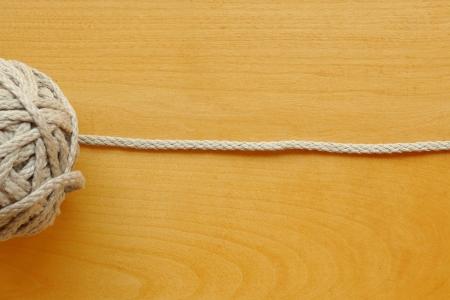 10Ш Серый толстый шнур.