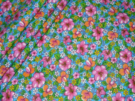 Хлопковая ткань: 223Б. Разноцветные цветы на голубой бязи.