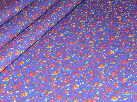 Хлопковая ткань: 215Б. Мелкие розовые розы на синей бязи.