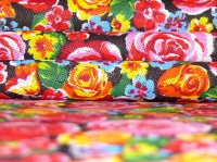 Хлопковая ткань: 227Б. Разноцветные розы на черной бязи.