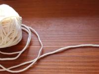 4Ш. Молочный тонкий шнур.